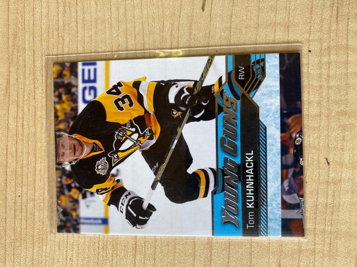 Very rare miscut Young Guns 238, 2016/17 Tom Kuhnhackl # 237